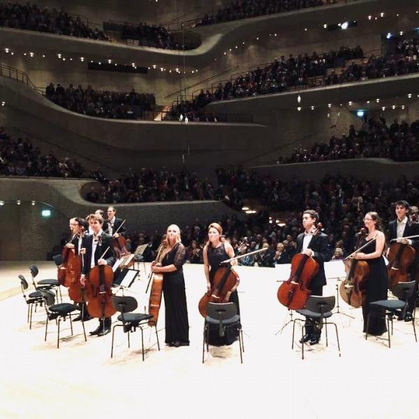12 Cellisten der Deutschen Stiftung Musikleben @Elbphilharmonie Hamburg ©DSM